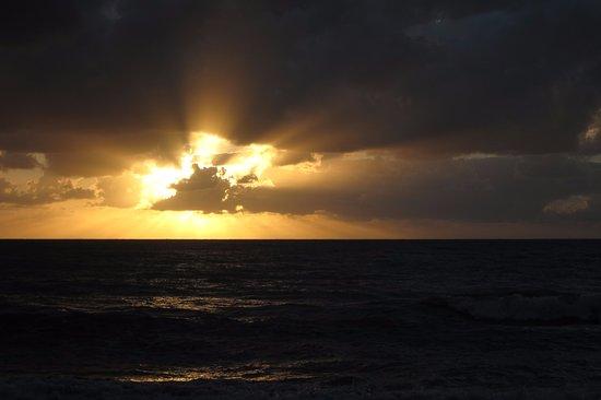 Palm Cove, Australia: Sunrise.