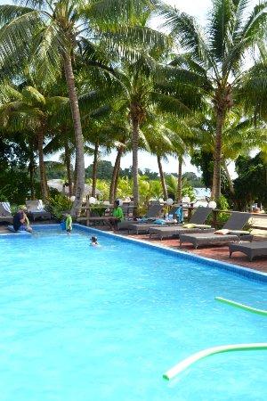 Aquana Beach Resort: The pool area