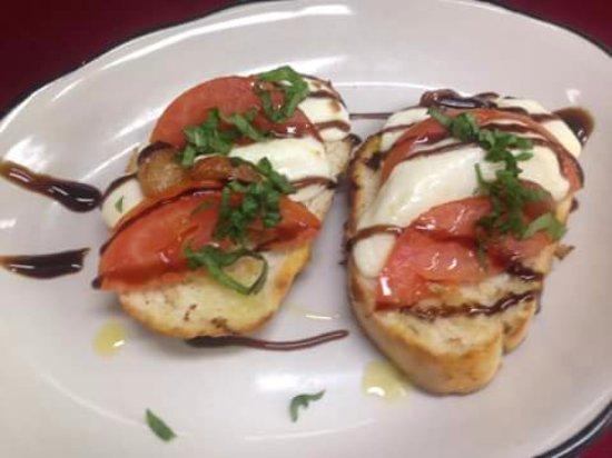 Shell Knob, MO: Carmelina's signature bruschetta appetizer