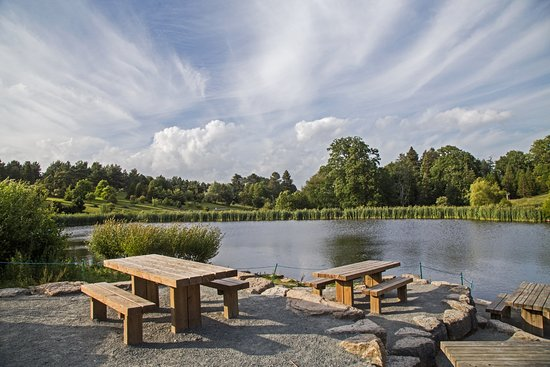 Goudhurst, UK: Visitor Centre Lake