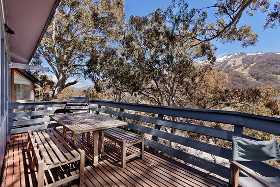 Thredbo Village, Australia: Westerly view from lounge room