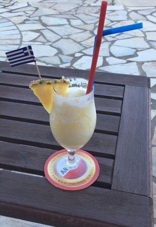 Regina Dell Acqua Resort: Dimitris pina colada 🍹