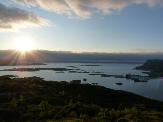 Ulstein Municipality, النرويج: View from Høgåsen towards the sea