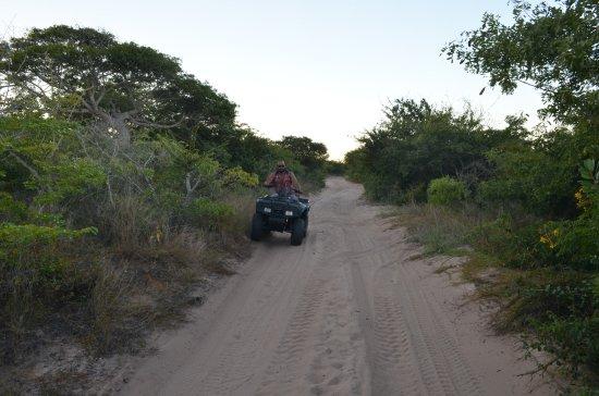 Vilanculos, Mosambik: cruising on sandroads :)