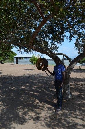 Vilanculos, Mosambik: schoolbell to start the lessons