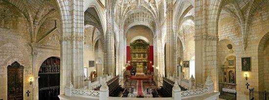 Moron de la Frontera, สเปน: Interior Iglesia de San Miguel, conocida como pequeña Catedral de ls Sierra Sur