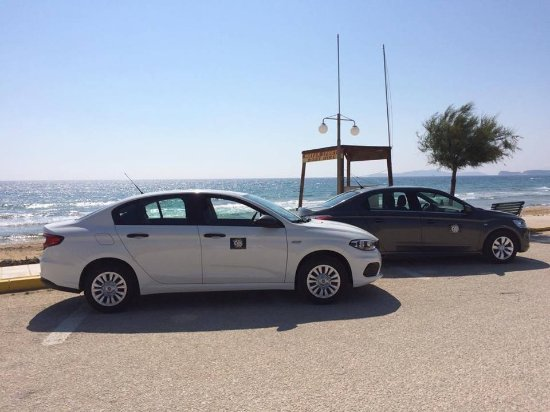 Agios Stefanos, Grekland: Brand new cars for airport transfers