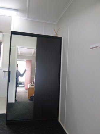 Merredin, Australia: closet