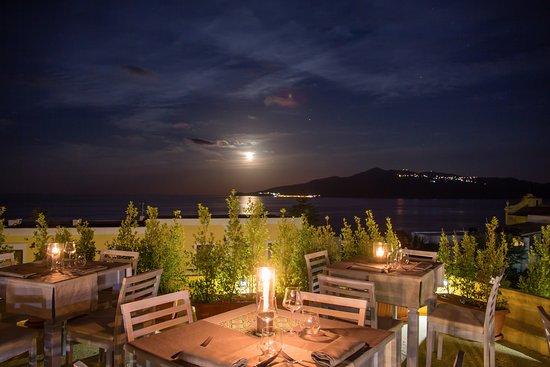 Tinkite ristorante eoliano santa marina salina for Salina sicily things to do