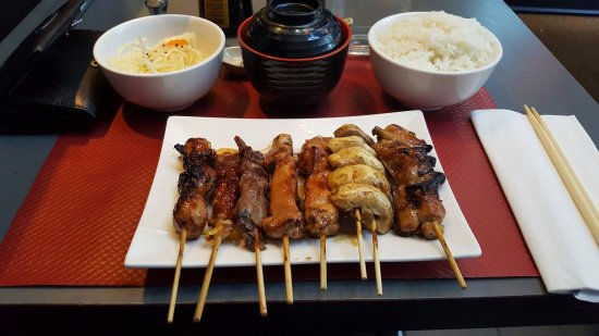 Enghien Les Bains, Γαλλία: Menu brochette ! (avec riz, chou et soupe chaude)