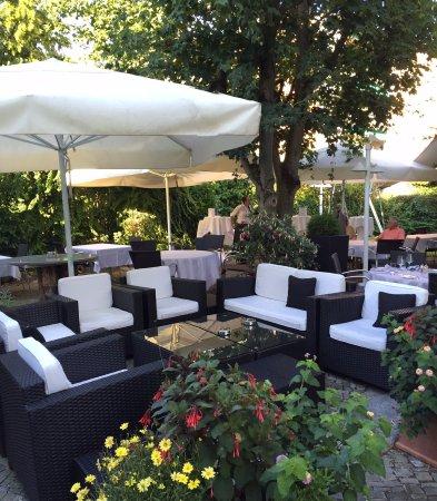 Doktorhaus Wallisellen Restaurant Garten Lounge