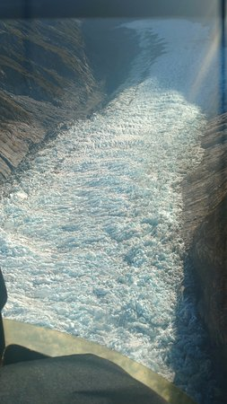 Fox Glacier, New Zealand: Valley, the glacier shifts 100 meter every 5 years