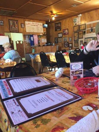 Leatha's Bar-B-Que Inn: photo1.jpg
