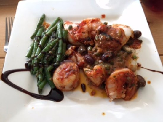 Manson, WA: cod with prawns and scallops and beans