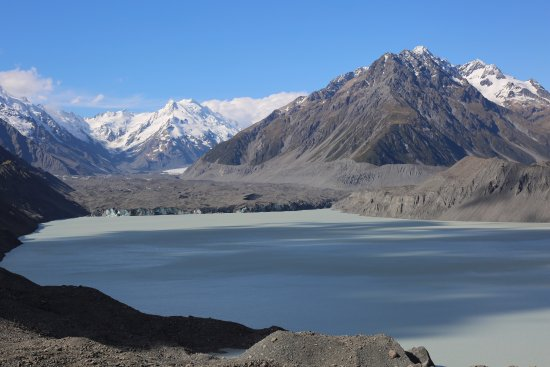 Mt. Cook Village, New Zealand: Some of the stunning scenery