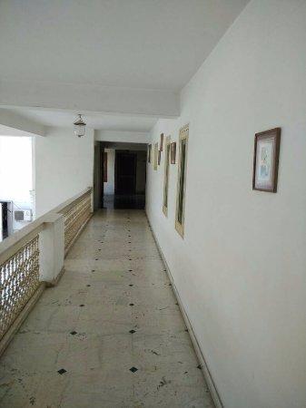 Hari Mahal Palace: Passage