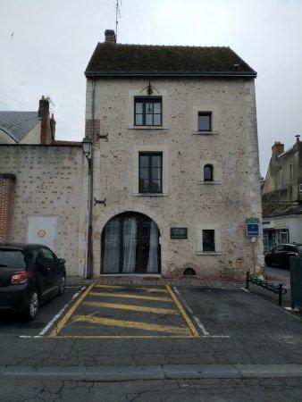 Romorantin, France :  La Tour aux grains