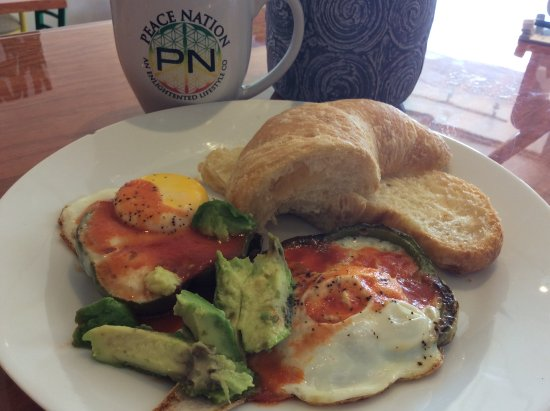 Kingston, NY: Eggs fried in green peppers with side avocado & fresh baked croissant