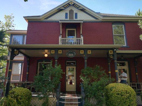 Mauger Estate B&B: IMG_20170616_184321_large.jpg