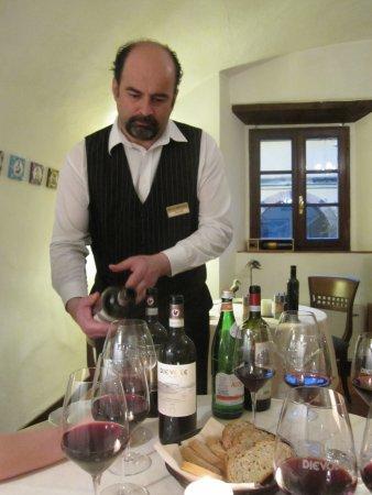 Vagliagli, Italy: Excellent wine service.