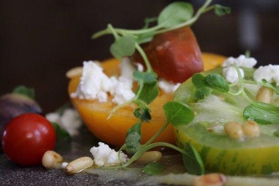 Brooklin, Canadá: Heirloom Tomato Salad