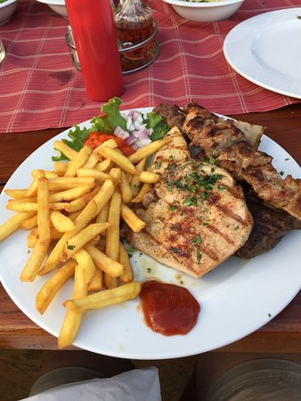 Vinisce, Croácia: Mixed grill