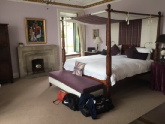 Tigh Na Leigh: 7ft Four poster bed