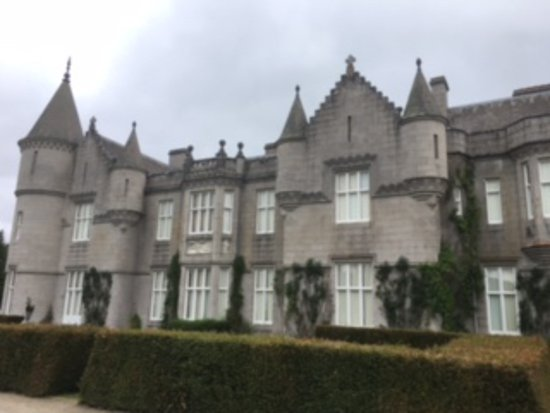 Alyth, UK: Went to balmoral for a tour