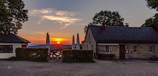 Bad Staffelstein, เยอรมนี: Staffelberg Klause at sunrise