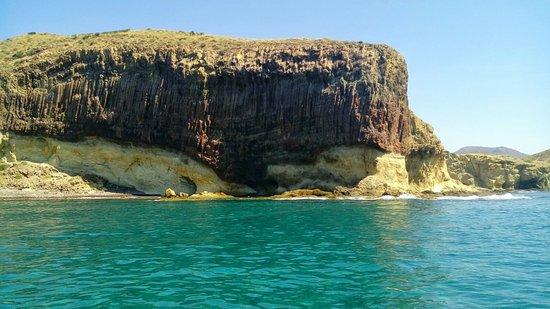 San Jose, Espagne : Nuestras rutas en barco para conocer las playas más famosas y escondidas del cabo de Gata como g