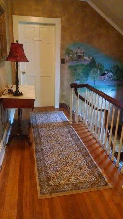 Gate City, VA: upstairs hall, beautiful floors/wall covering
