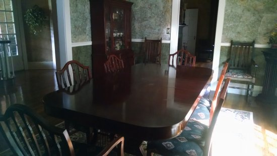 Gate City, VA: dining room