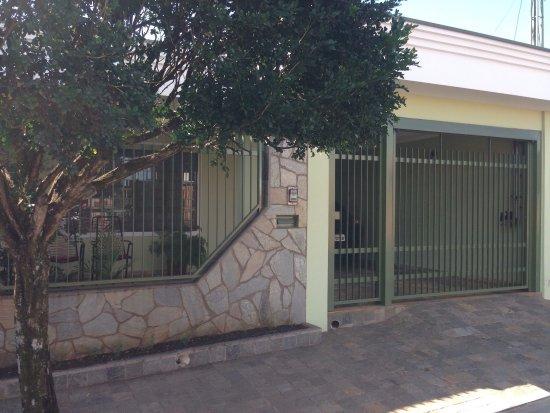 Santa Rosa De Viterbo, SP: Residência Ferri Raqueti