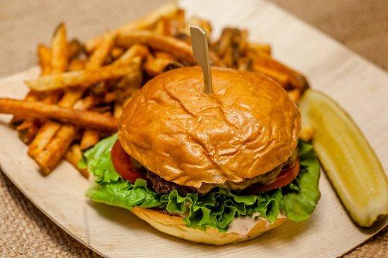 Ephrata, Pennsylvanie : Local Hand-packed Stone Ridge Cheeseburgers
