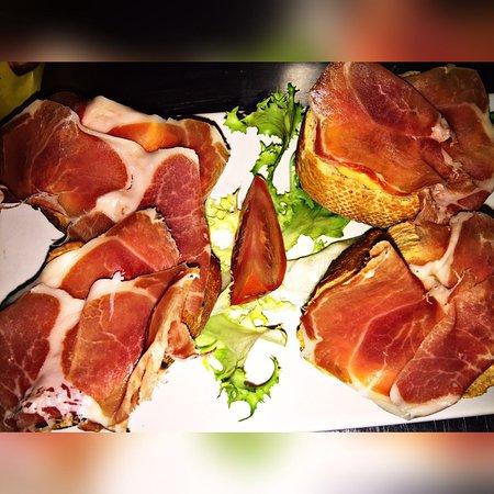 Сант-Жулия-де-Лория, Андорра: Torrada de pa amb tomàquet i pernil