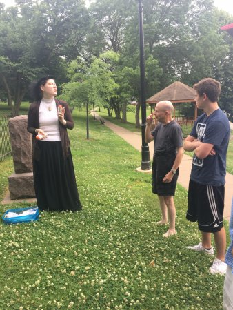 Galena, IL: Excellent tour guide at the cemetery.