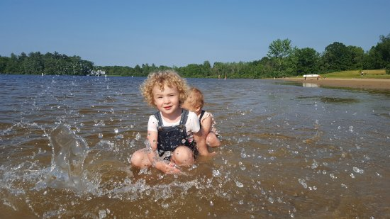 Lake Orion, MI: A lot of shallow water for the little ones