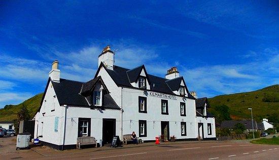 Kilmartin Hotel : Clear Blue Scotish Skies