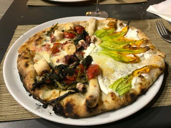 Бра, Италия: Pizza Gennaro !