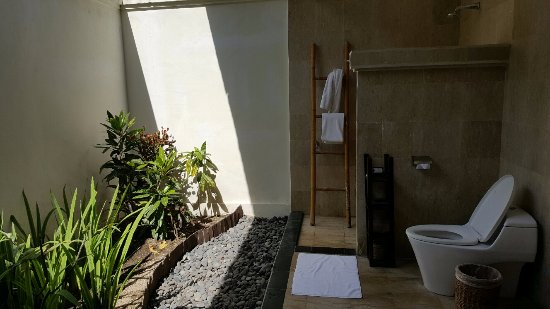 Hotel Ombak Sunset : Open Bathroom