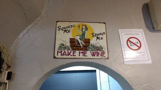 Chateauneuf-du-Pape, Frankreich: funny sign