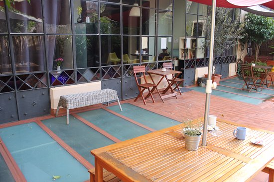 ELLA Hostel Barcelona: Terrasse commune