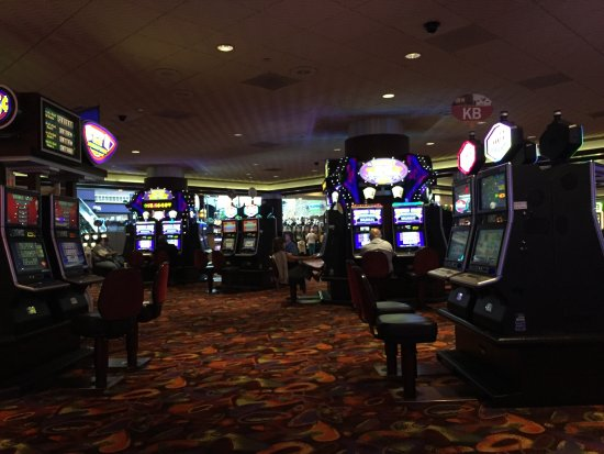 Harrah's Resort Atlantic City: This casino has a lot of options for game play! Also, the drink waitresses are excellent! The wi