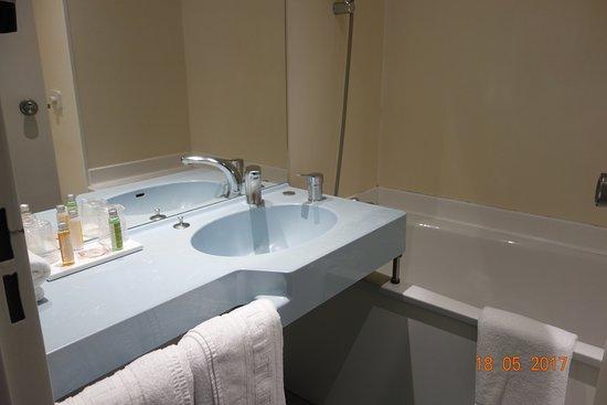 Hotel Le Maray: la salle de bains
