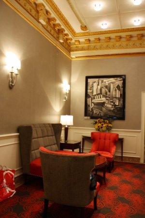 Radio City Apartments: El hall de la planta baja, el aire acondicionado a tope.