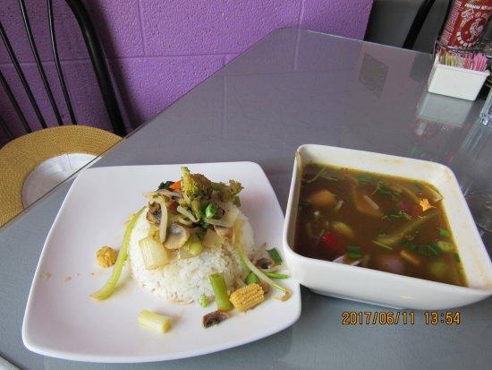 Cafe de Pho-Thai : Jungle Curry with rice