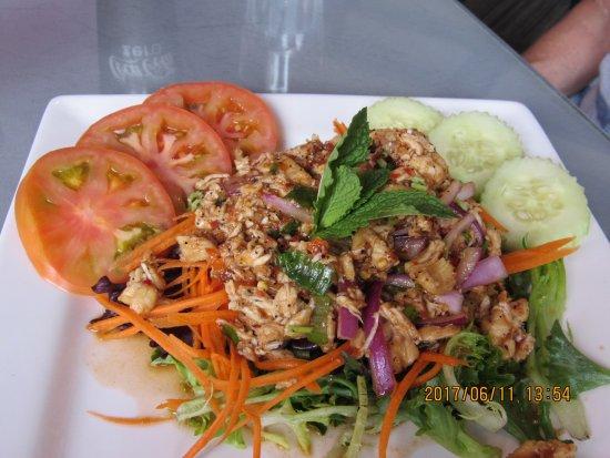 Cafe de Pho-Thai : Thai salad with chicken