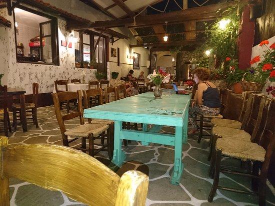 Gerani, Griechenland: Largest dining area