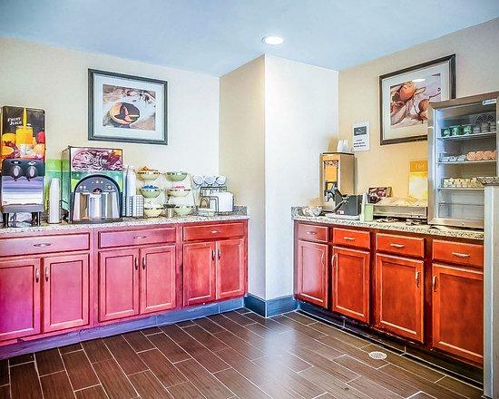 Merrimack, Nueva Hampshire: Free Hot and Fresh continental breakfast