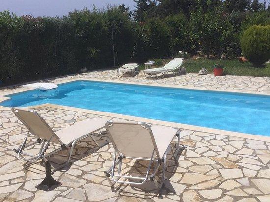 Tranquil Villa Edem